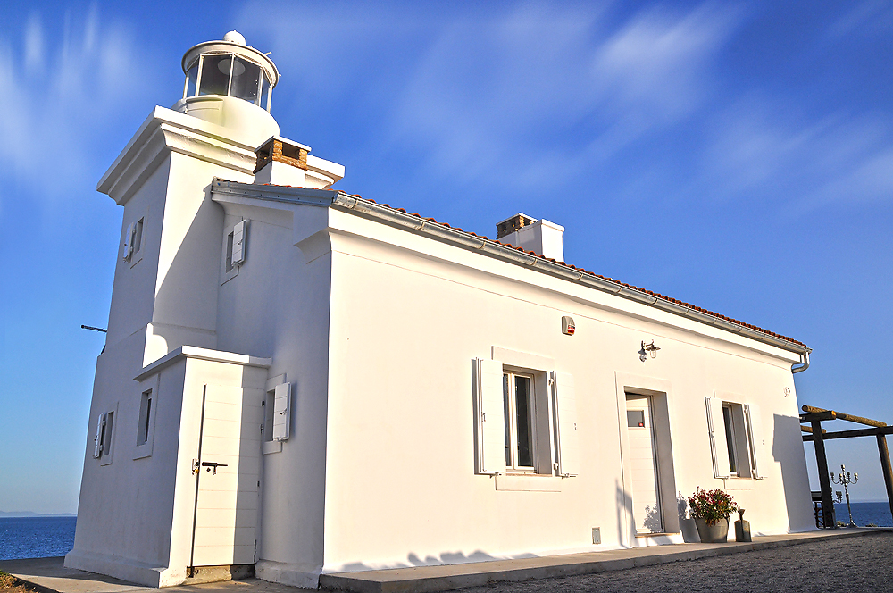 2.lighthouse front