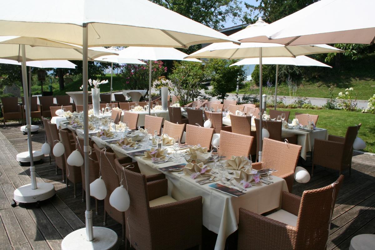 Hochzeitstafel_auf_der_Terasse
