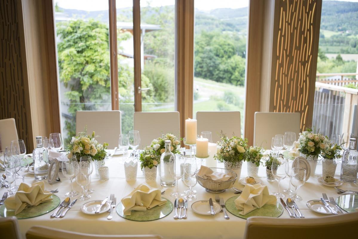 Hochzeitstafel_mit_Ausblick